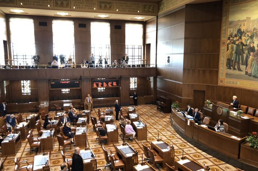 Oregon Senate Republicans walk out over climate cap-and-trade bill